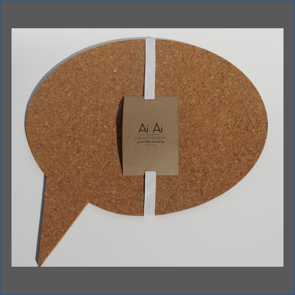 speach-bubble-cork-pin-board