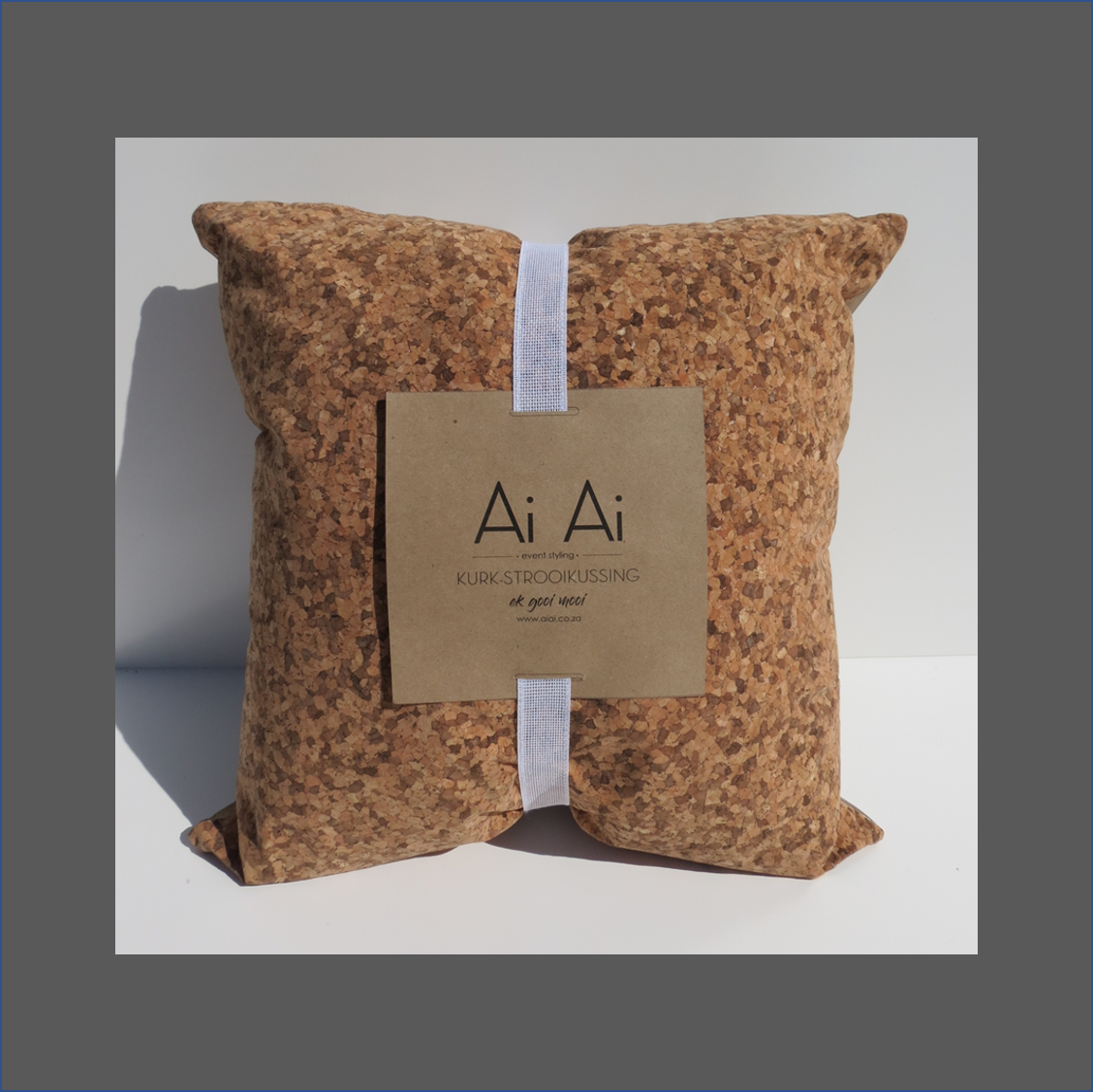cork-scatter-cushion